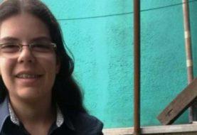 Joven evangélica bate record al transcribir la Biblia en 8 meses